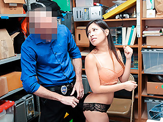 Jasmine Gomez in Case No. 7894885 - Shoplyfter